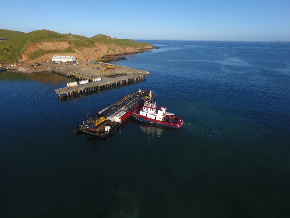 Archeron and Barge arriving at Chathams